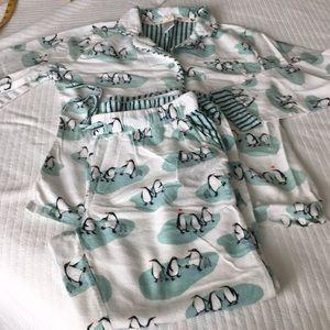 Munki munki flannel with penguins size Med.